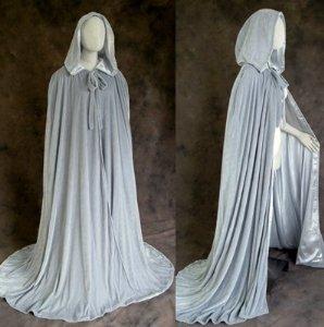 Amazon.com: Artemisia Designs Renaissance Medieval Lined Velvet Cloak Grey One Size: Toys & Games