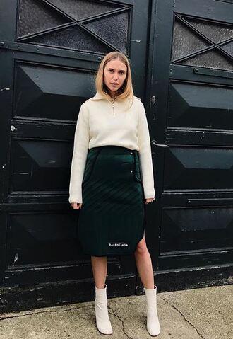 skirt sweater boots pernille teisbaek blogger instagram midi skirt fall outfits