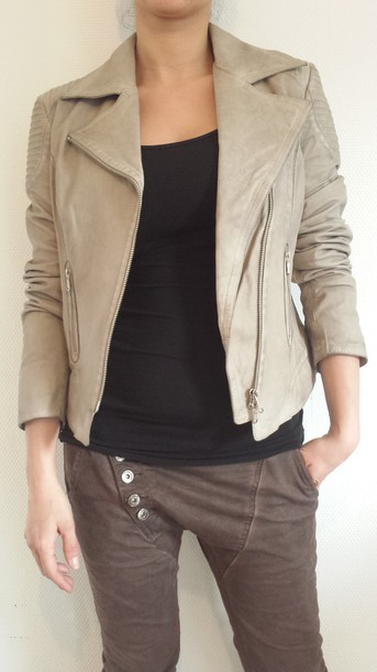 jacket given.dk given interteam leather collection sand color sand colour sand colors sand color jackets leather jacket leather mocca color mocca color jeans danish danish designed danish design trendy trendy scandinavian scandinavian stile trendy tough black top creme jacket creme leather jacket tough life style soo trill thriller lambskin leather new zealand denmark copenhagen