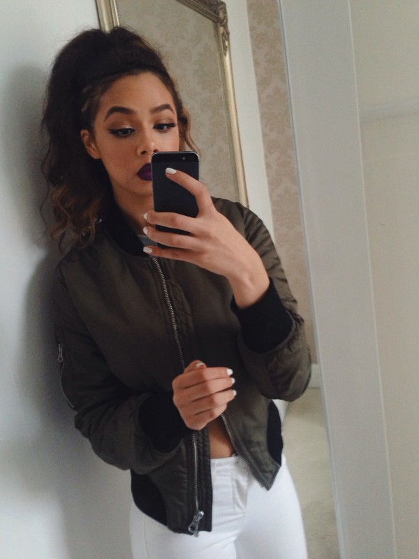 jacket bomber jacket girl white jeans jeans make-up lipstick pants