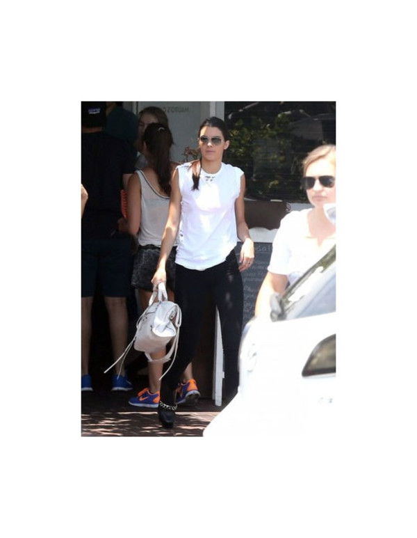 kendall jenner shirt white bag