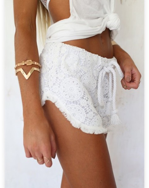 shorts perfect white flowes perfect! fashion