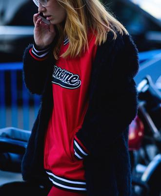 top tumblr fashion week 2017 streetstyle sweatshirt red top jacket black jacket black fur jacket fur jacket athleisure