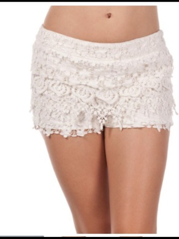 shorts white floral lace beautiful pretty girly