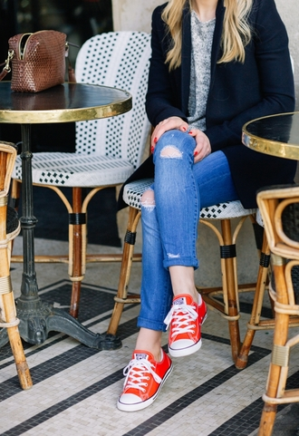 jeans blue jeans cuffed jeans tumblr sneakers red sneakers converse low top sneakers sweater grey sweater blazer black blazer fall outfits casual red converse