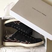 shoes,black,sneakers,fashion,fashionista,women fashion shoes,gold,red,gold shoes,white,white sneakers,isabel marant,isabel,etoile