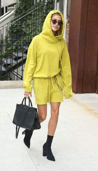 skirt sweater sweatshirt hoodie boots streetstyle nyfw 2017 ny fashion week 2017 hailey baldwin oversized sweater shoes