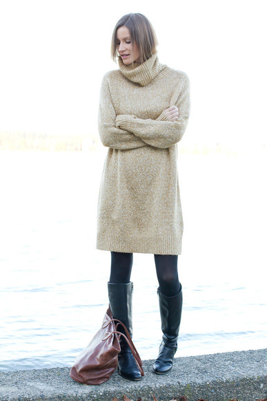 styling my life blogger bag sweater dress