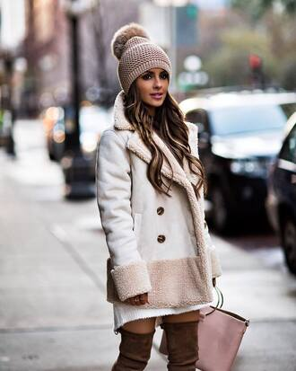 jacket tumblr white jacket beanie pom pom beanie shearling jacket shearling winter outfits