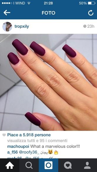 make-up nail nails nail polish burgundy purple red oxblood matt long nail polish beautiful winter outfits fall autumn colorful colour