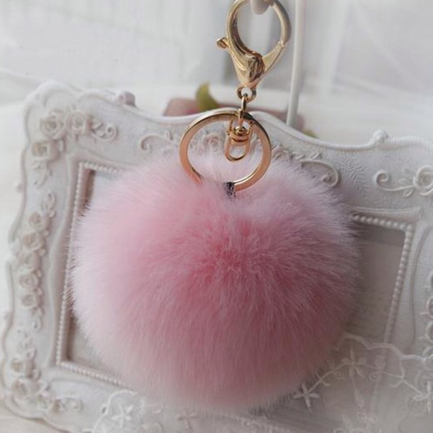 Home Accessory Chain Keychain Pom Poms Fluffy Fluffy Cute Accessories Trendy Trendy Trendsetter Pretty Beautiful Kylie