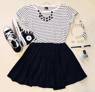 t-shirt dress ooutfit grunge hipster fashion style converse all star black and white nails polish jewerly necklace indie hair accessory shoes skirt