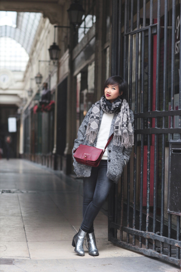 le monde de tokyobanhbao coat scarf sweater bag