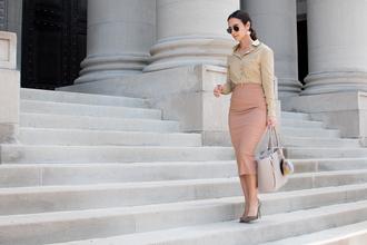 district dress up blogger shirt skirt shoes bag jewels sunglasses pencil skirt midi skirt pumps high heel pumps handbag office outfits