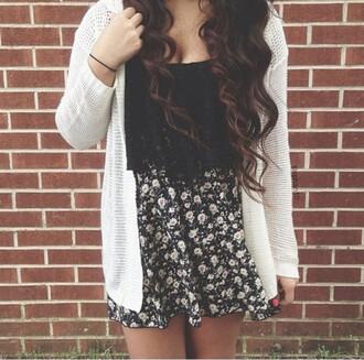 skirt black white floral skater skirt cute pretty curly hair rubber band short skirt crop tops cardigain shirt
