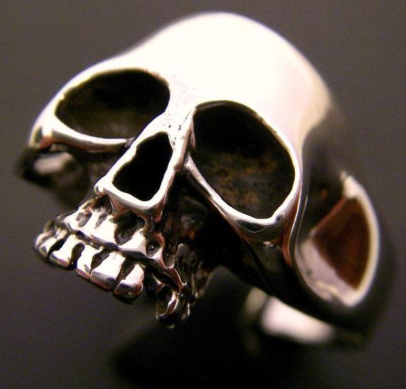 Sterling Silver Skull Ring van FranticJewelry op Etsy