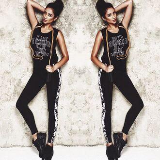 top t-shirt shay mitchell instagram leggings