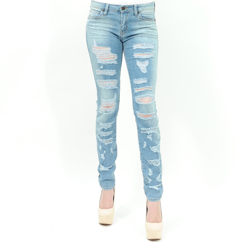 Light wash distressed ripped skinny jean by just usa