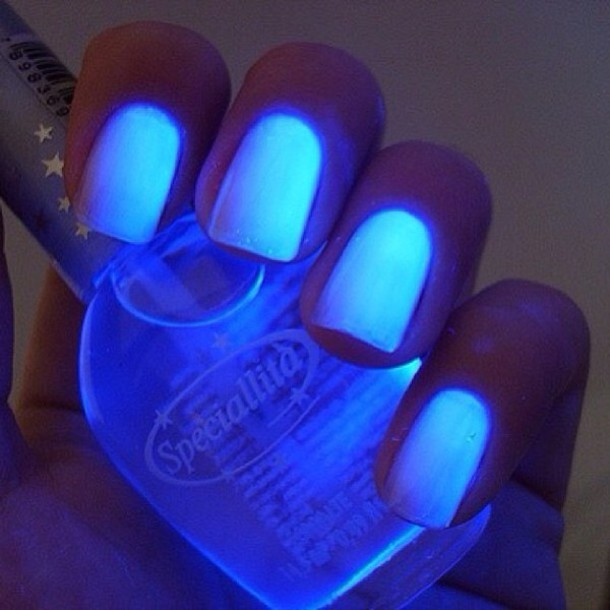 nail polish nails blue glow in the dark glow in the dark light blue amazing ♥️ neeed this nail accessories
