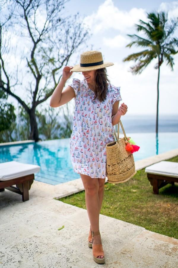 972f3d2b872ee covering bases curvy blogger dress shoes hat bag