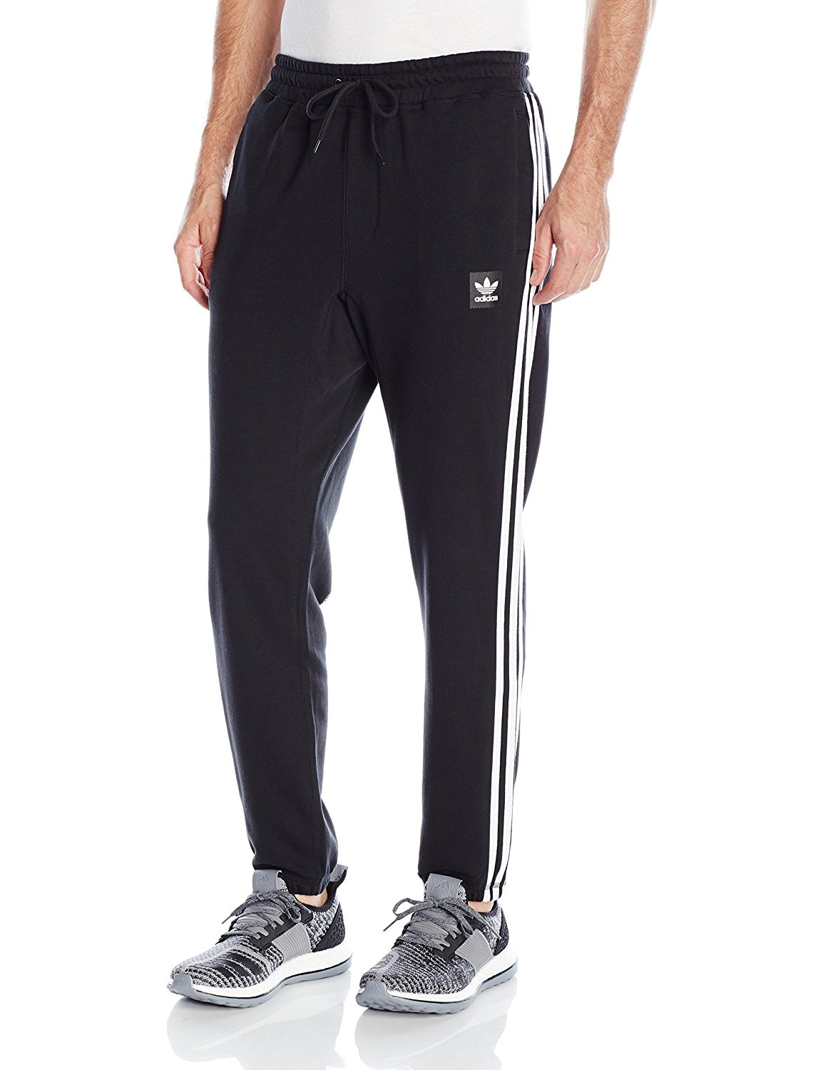 5fa54b385 adidas Originals Men s Skateboarding Blackbird Sweatpants at ...