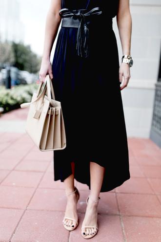 krystal schlegel blogger dress belt shoes bag navy watch