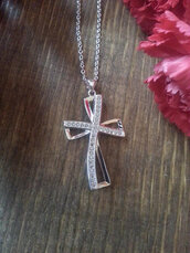 jewels,sterling silver,cross necklace,vintage necklace,925 necklace,charm necklace,designer necklace,fashion jewelry,vintage
