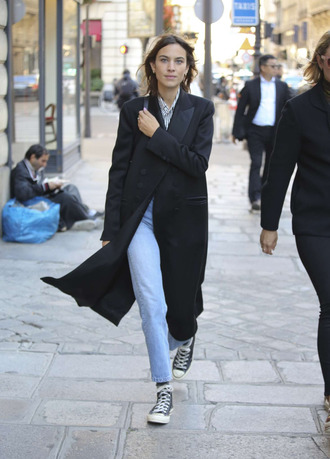 shoes jeans sneakers alexa chung streetstyle paris fashion week 2016 fall outfits