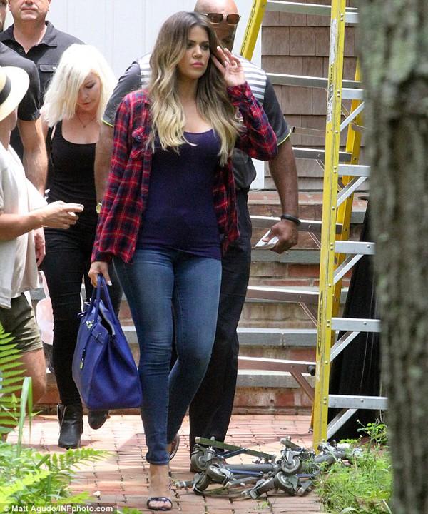 khloe kardashian shirt