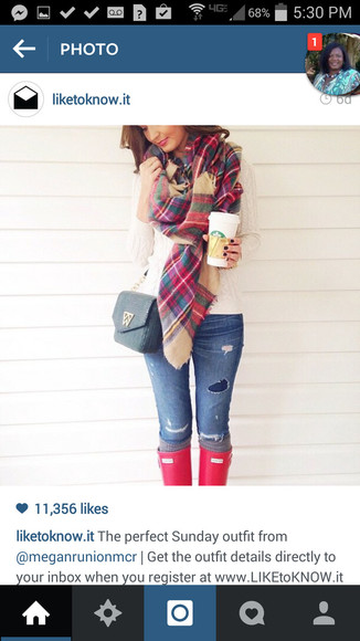 flannel shirt scarf hunter boots