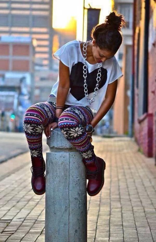 jewels hipster aztec heart shirt boots pants t-shirt shoes bottoms top leggings christmas leggings