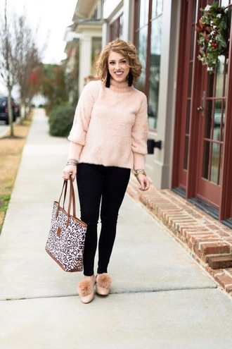 something delightful blogger sweater bag jewels fuzzy sweater pink sweater tote bag winter outfits