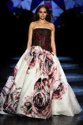 dress,strapless,bustier,gown,prom dress,wedding dress,fashion week 2016,runway,model,NY Fashion Week 2016