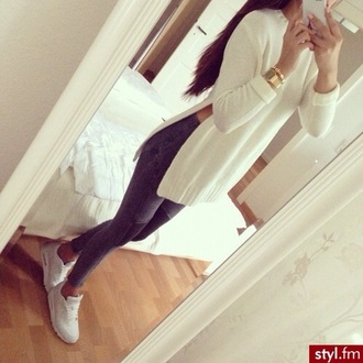 white sweater grey jeans white sneakers nike shoes slit top