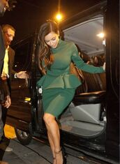 dress,kim kardashian,kardashians,keeping up with the kardashians,little dress,green,high heels,shoes