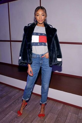 t-shirt tommy hilfiger top tommy hilfiger t-shirt red heels denim jeans pinterest jourdan dunn the zoe report fur jacke tommy hilfiger