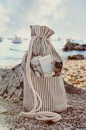 bag,beach bag,bucket bag