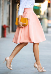 skirt,peach skirt,audrey hepburn,chic,long skirt,a line dress,shoes,classy,midi skirt,peach,jupe,beautiful,aline skirt,pink skirt,white blouse,high heels,high waisted skirt,rose,bleu,n'importe quelle couleur,dress,pink,coral skirt,50s skirt,classic,cute,preppy,denim top,clothes,style,stylish,dressed up,handbag,mustard,yellow handbag,love,glow in the dark,radiant,minimalist,curled ponytail,curled hair,brunette,shirt,skater skirt,pink midi skirt,knee length,pleated,mustard bag,nude high heels,girly,feminine,trendy,fashion,mns,breakfastwithaudrey,blogger
