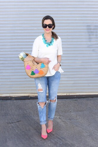 live more beautifully blogger top jeans jewels bag shoes sunglasses make-up