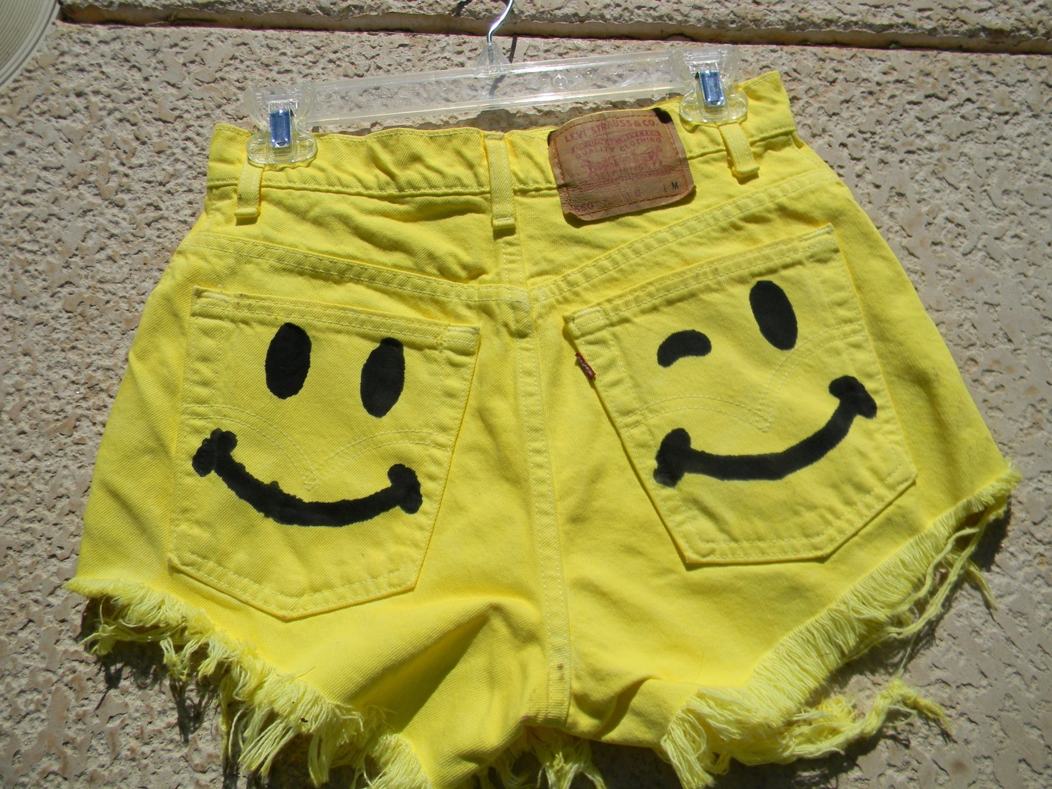 DIY Smiley Face High Waisted Shorts! - YouTube