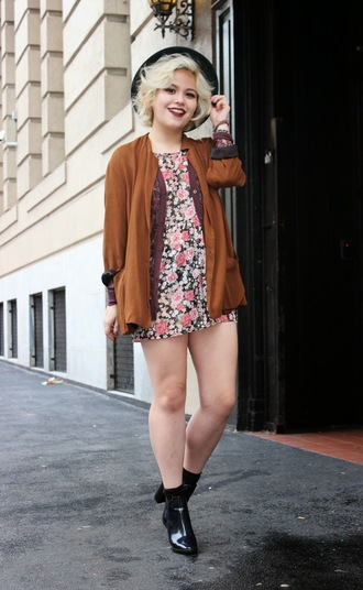 broke hell blogger cardigan floral dress rust black shoes