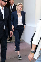 pants,Celebrity work outfits,work outfits,office outfits,power suit,two piece pantsuits,matching set,blue pants,cropped pants,blazer,blue blazer,top,white top,necklace,sneakers,vans,black sneakers,low top sneakers,kristen stewart,celebrity style,celebrity