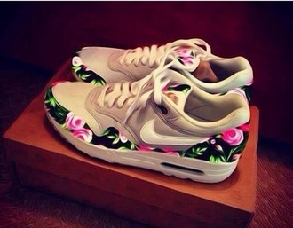 shorts nike trainers sneakers air max shoes style fashion nike floral shorts