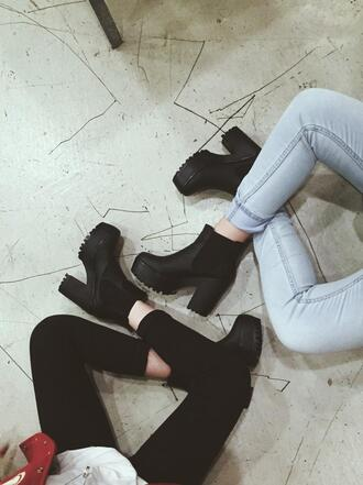 shoes bea miller tumblr shoes tumblr black boots black heels kylie jenner black heels