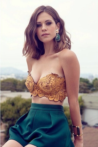 shirt gold bustier top crop pants shorts teal jewerly crop top mustard lyndsy fonseca crop tops yellow black whimsical green shorts strapless high waisted white girl