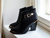 boots,mid heel boots,all black and gold wishlist,shoes,black boots,black,black shoes,black and gold,black and gold shoes,spring shoes,autumn shoes,boots spring boots gold flat boots,gold hardware,black heels,gold,booties,ankle boots,steve madden