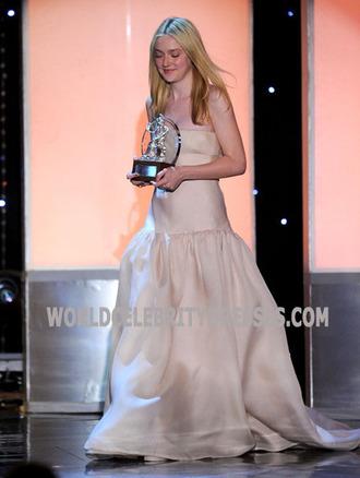 dakota fanning strapless celebrity look alike prom dress 19th annual bafta la britannia awards..