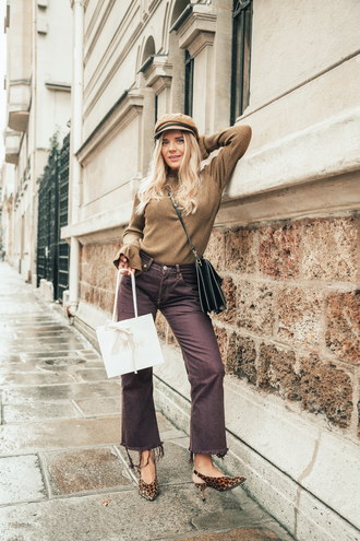 hat tumblr fisherman cap top nude top pants cropped pants bag black bag slingbacks shoes fall outfits