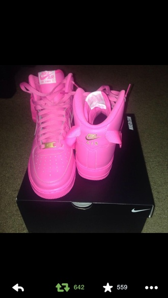 shoes pink nike air force 1 high top sneakers nike nike air pink sneakers bubblegum pink tribal pattern nike tribal shoes aztec aztec nikes nike sneakers sneakers pink neon rose pink nike high tops nike air force rare pink nike air force 1s girly urban pink nike air force 1 sneakers nike air max neon pink tumblr shoes