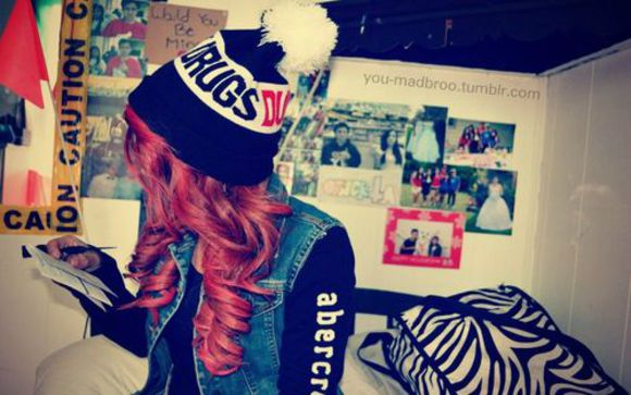 hat swag tumblr abercrombie amazing girl hair winter fashion black swag girl clothes cool hat swaggie black and white jacket beanie fluffy dope abercrombie&fitch vest denim the knitted hat cute drugs, weed, cigar, hoodie, sweats